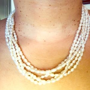Jewelry - Freshwater Pearl Beads Necklace - Good Condition
